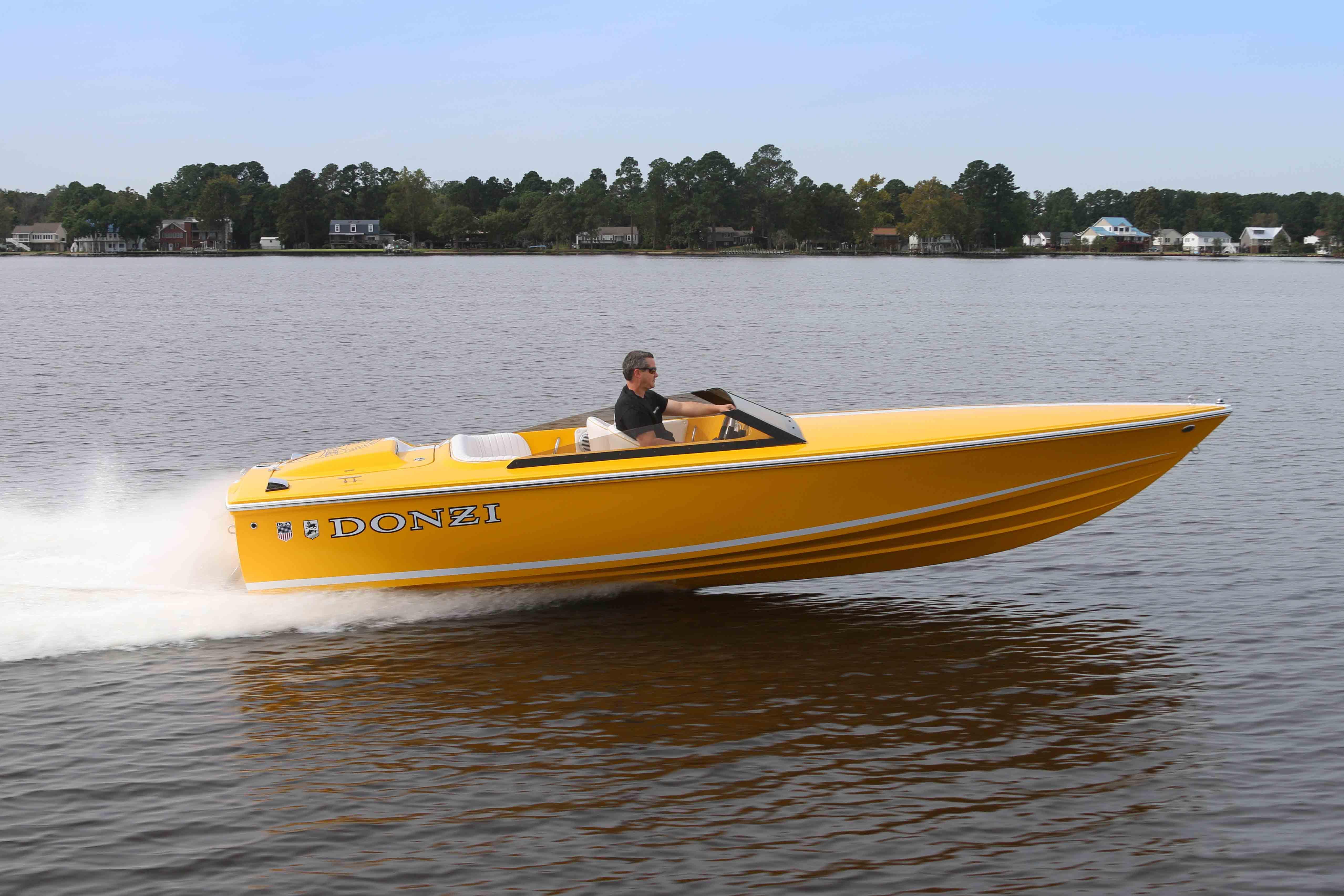 Power Boats: Donzi Powerboats